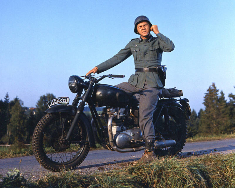 Review And Photos Of Great Escape Steve Mcqueen Sixth Scale Figure