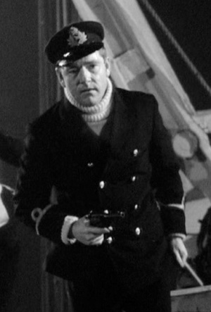 Kenneth More as Second Officer Charles Lightoller in A Night to Remember.