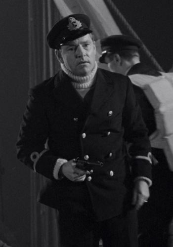 Kenneth More as Second Officer Charles Lightoller in A Night to Remember (1958)