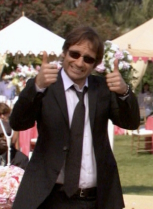 Who wouldn't want a guy like this at their wedding?