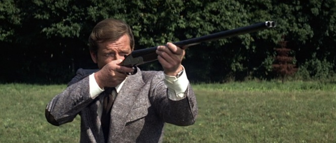 Bond found the Holland & Holland to be more powerful than his PPK but discovered that he might have an issue with concealibility.