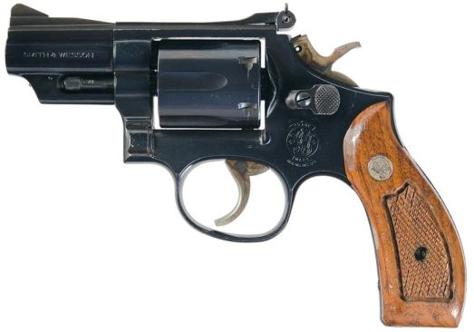 A great example of a snubnose Smith & Wesson Model 19, as seen on IMFDB. Check out IMFDB if you're ever curious about a gun used in a movie... chances are 99 in a 100 that they have a great page about it.