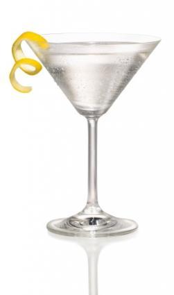 Vodka Martini, the definitive James Bond cocktail in both the books ...
