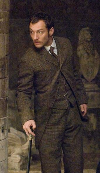 Jude Law as Dr. John Watson in Sherlock Holmes (2009).