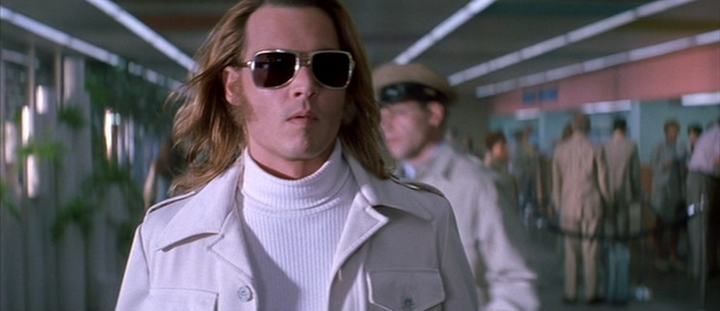 3f8941a424656 George Jung s White Leisure Suit in Blow