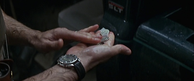 Can anyone identify what watch Willis is wearing in this brief shot?