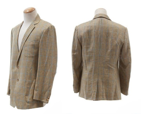 Don's sport coat, as displayed for the ScreenBid.com auction.