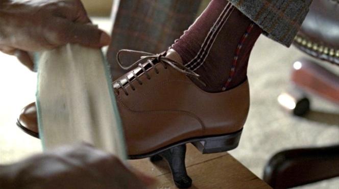 Flamboyant feet.