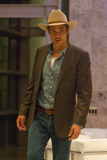 Timothy Olyphant as Deputy U.S. Marshal Raylan Givens on Justified. (Episode 2.01: