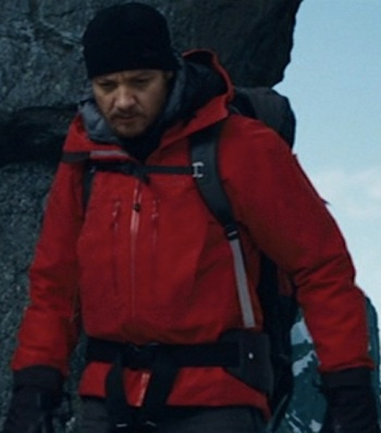 Jeremy Renner as Aaron Cross in The Bourne Legacy (2012).