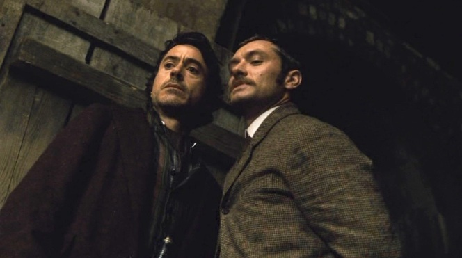 Holmes and Watson prepare to take down Lord Blackwood.