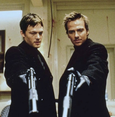Norman Reedus and Sean Patrick Flanery as the MacManus Brothers in The Boondock Saints (1999).