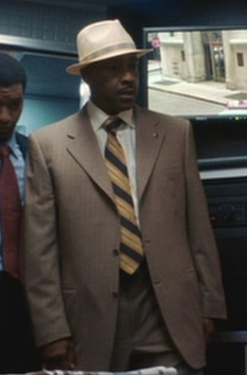 Denzel Washington as Det. Keith Frazier in Inside Man (2005).