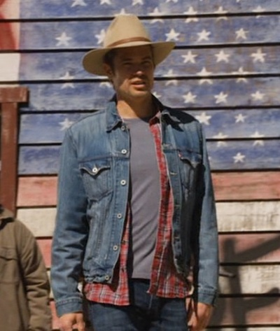 "Timothy Olyphant as Deputy U.S. Marshal Raylan Givens in Justified (Episode 2.11: ""Full Commitment"", 2011)."