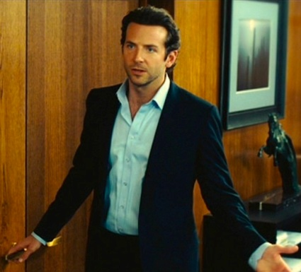 Bradley Cooper as Eddie Morra in Limitless (2011).