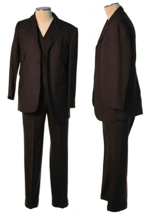 Jimmy's suit, auctioned by ScreenBid.com. Notice that the right side is shifted up; the jacket's top button is thus hidden under the lapel.