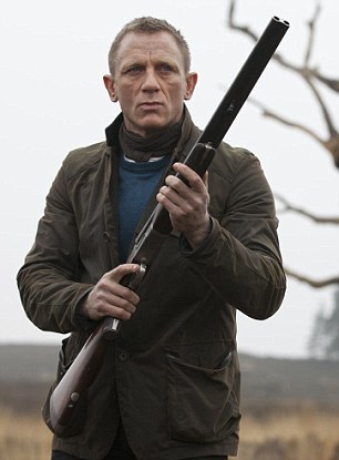 skyfall bond s barbour jacket in scotland bamf style. Black Bedroom Furniture Sets. Home Design Ideas