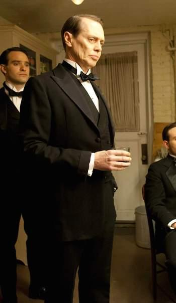 """Steve Buscemi as Enoch """"Nucky"""" Thompson in """"Resolution"""", Episode 3.01 of Boardwalk Empire (2010-2014)."""