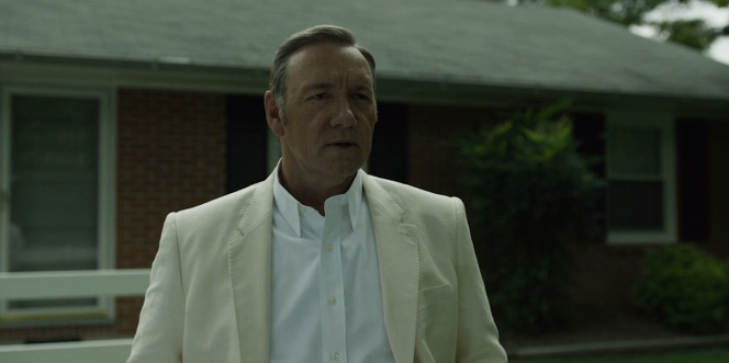 Frank Underwood shows just how versatile a white shirt can be.