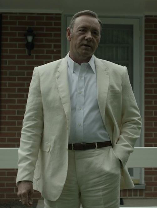Frank Underwood's Cream Linen Suit | BAMF Style