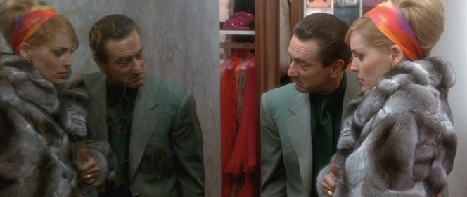 A tale of two Aces: De Niro nails the vanity of a guy like Sam Rothstein who would constantly be checking to see that he looked his best during important moments of his life.