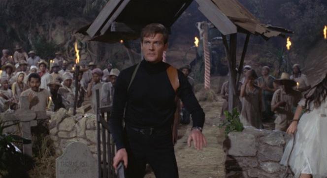 Bond prepares for battle on San Monique.