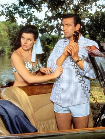 Eunice Gayson and Sean Connery as Sylvia Trench and James Bond, respectively, in From Russia With Love (1963).