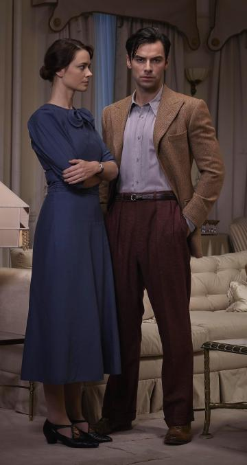 Maeve Dermody and Aidan Turner as Vera Claythorne and Philip Lombard in And Then There Were None (2015).