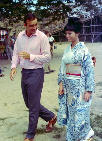 Sean Connery and Akiko Wakabayashi in You Only Live Twice (1967)