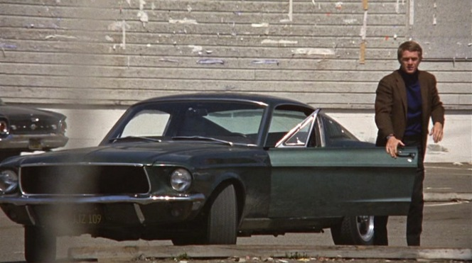 Bullitt decides he's had enough of the Mustang for one afternoon and heads off into a taxi with Robert Duvall.