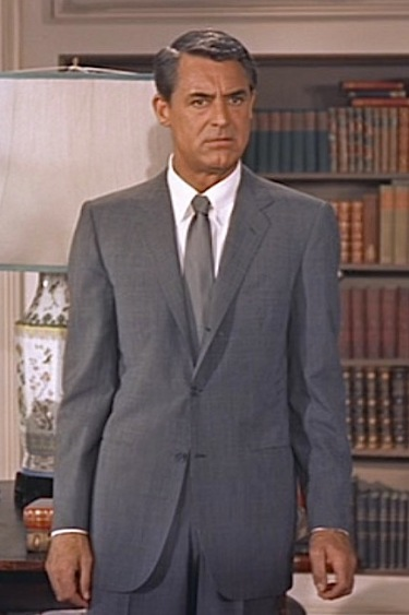 Cary Grant as Roger O. Thornhill in North by Northwest (1959).