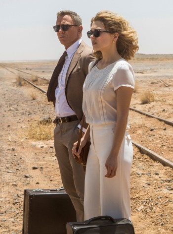 Daniel Craig and Léa Seydoux as James Bond and Dr. Madeleine Swann, respectively, in Spectre (2015).