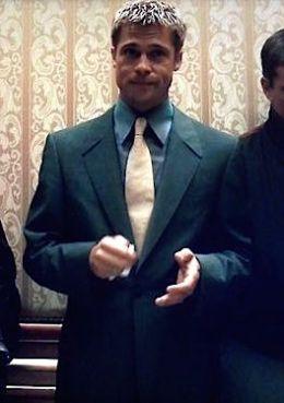 """Brad Pitt as Robert """"Rusty"""" Ryan in Ocean's Eleven (2001)."""