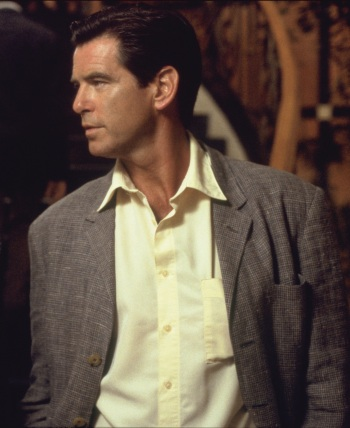 Pierce Brosnan as Andy Osnard in The Tailor of Panama (2001).