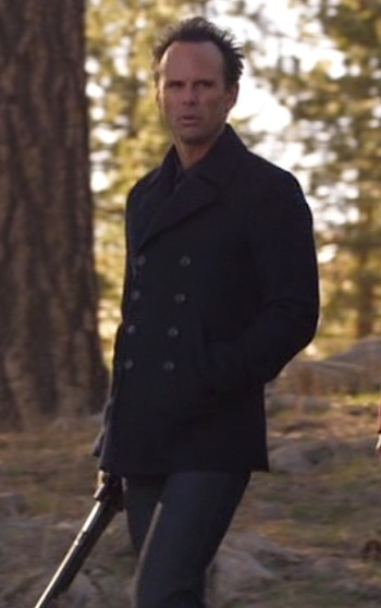 "Walton Goggins as Boyd Crowder on Justified (Episode 6.07: ""The Hunt"")"