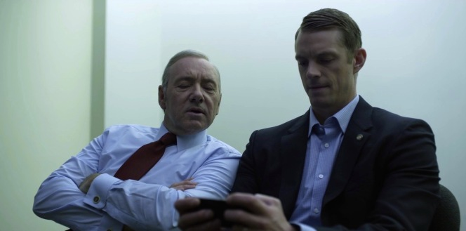 "Conway may have <a href=""https://www.youtube.com/watch?v=jrglQJerwsg"">Agar.io</a> on his Samsung smartphone (product placement within product placement), but Underwood's cuff links are a subtle reminder to his opponent that he already has the presidency... and he's willing to sacrifice a few ""little dots"" being eaten if it means not giving it up."