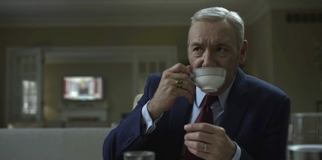 It's reassuring (or is it?) to know that Frank Underwood needs to start his day with a hot coffee just like the rest of us.