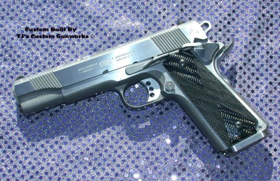 The actual Colt XSE carried by Brad Pitt in Mr. & Mrs. Smith. (Source: IMFDB)