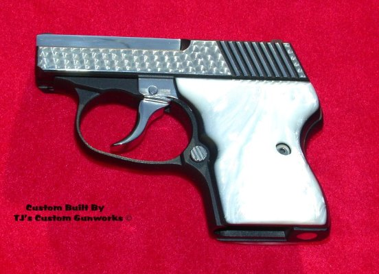 The actual NAA Guardian carried by Brad Pitt in Mr. & Mrs. Smith. (Source: IMFDB)
