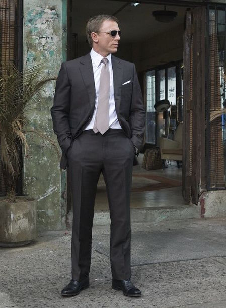 Quantum Of Solace Bond S Brown Suit Bamf Style