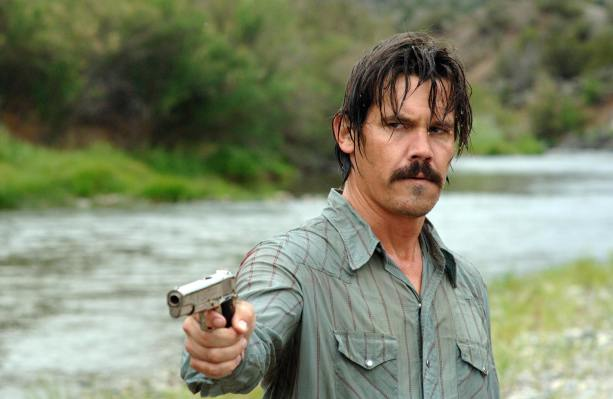 Promotional photo of Josh Brolin in No Country for Old Men.