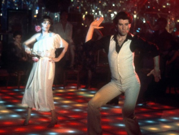 Sans jacket, John Travolta shows off on the dance floor.