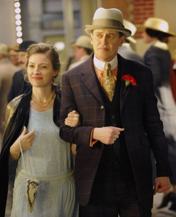 "Steve Buscemi and Kelly Macdonald on Boardwalk Empire (Episode 1.09: ""Belle Femme"")"