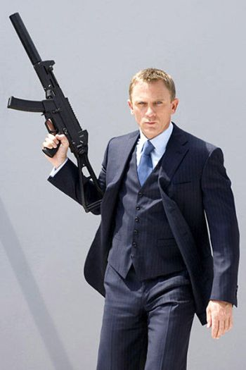 Daniel Craig as James Bond, behind the scenes of Casino Royale (2006)