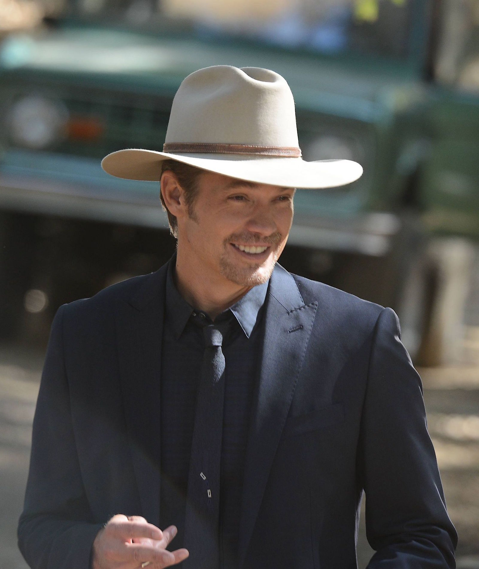 Justified Season 6 Raylan Givens In All Blue Bamf Style