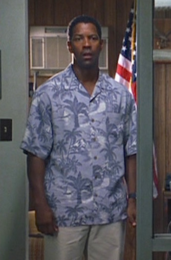 Denzel Washington as Banyan Key police chief Matt Whitlock in Out of Time (2003)