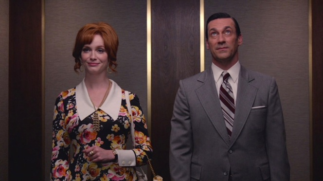 """Joan and Don share a final ride up to the office in """"Lost Horizon"""" (Episode 7.12)."""