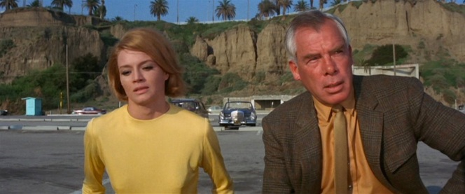 Yellow seems to be the color of choice for bonding over a mutual dislike of Mal Reese.