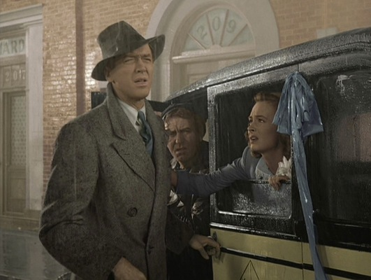 George interrupts his honeymoon to save the desperate situation at the Bailey Bros. Building & Loan.