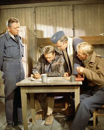 Richard Attenborough, Steve McQueen, Nigel Stock, and Gordon Jackson in The Great Escape (1963)